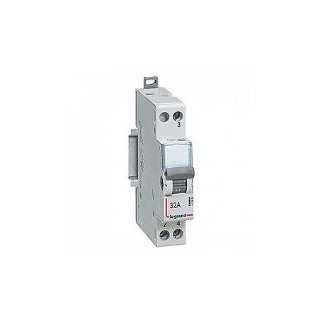 Выключатель нагрузки 1П 32A Legrand CX3 перекл. 412900